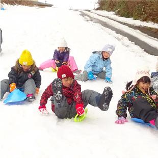 正月遊び・雪遊び(年長児) 写真